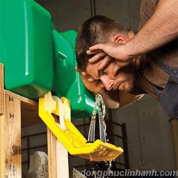 cách sử dụng vòi rửa mắt khẩn cấp